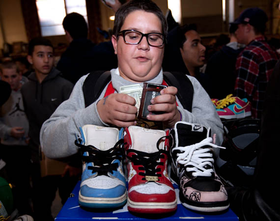 surviving-a-sneaker-convention-tips