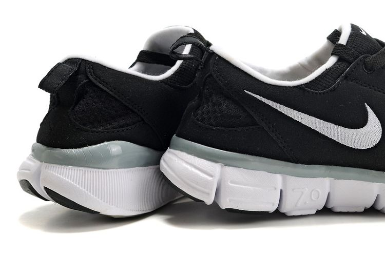 Cheap Nike FS Lite Run 3 Black/Dark Grey/White/Pink Blast 6pm