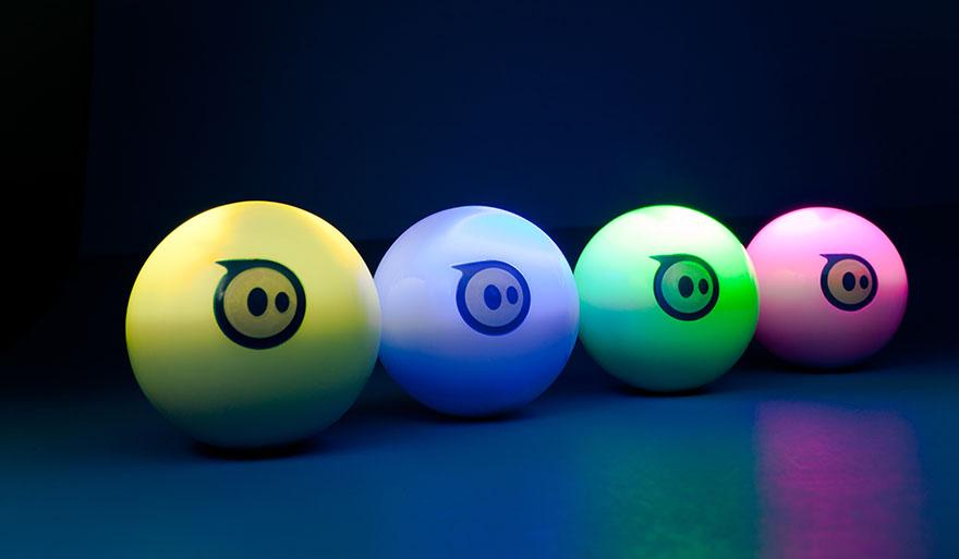 straatosphere-gift-guide-2015-sphero-robotic-ball