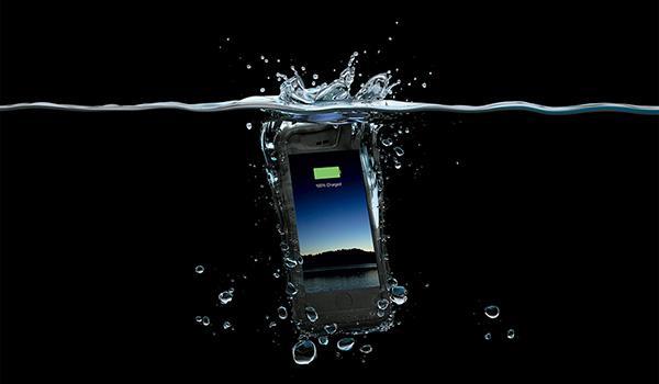 mophie-h2pro-waterproof-juice-pack-iphone-6