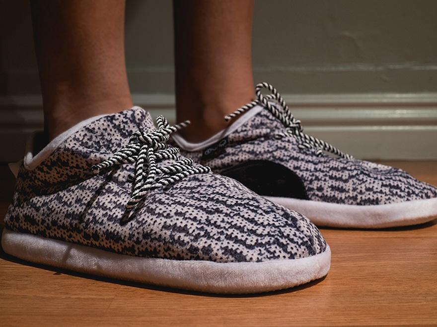 yeezy-boost-slippers-kickstarter-1