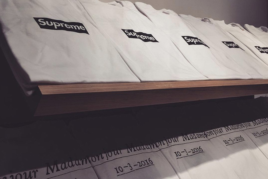 supreme-box-logo-tee-paris