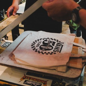 House of Vans KL: Screenprinting tote bags