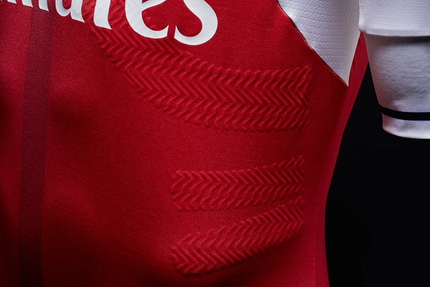 Arsenal's 2016/17 Home Kit Relives the 90s