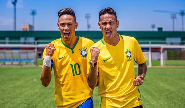 """Neymar Jr. Comes Face to Face With """"Himself"""""""