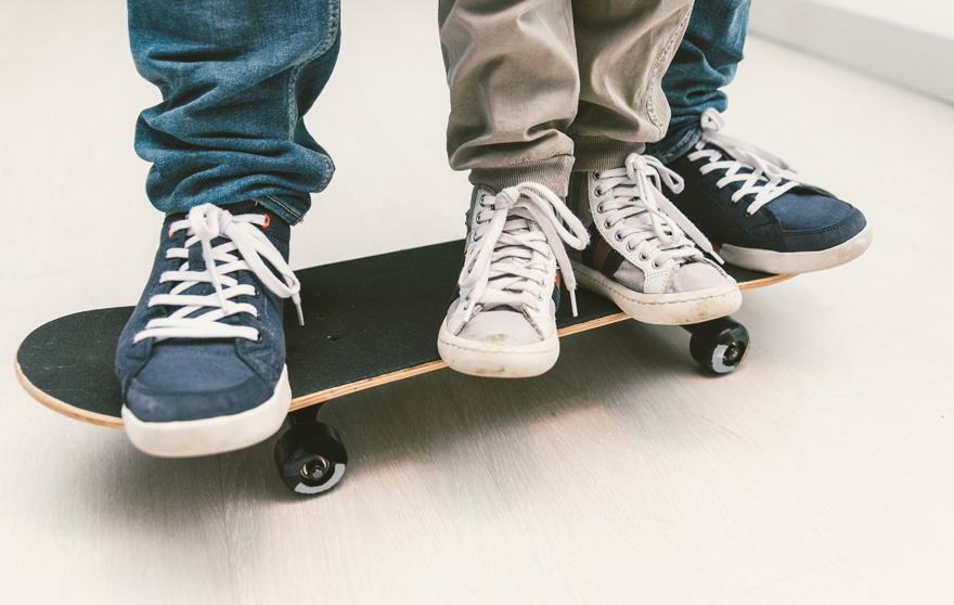 father-child-skateboarding