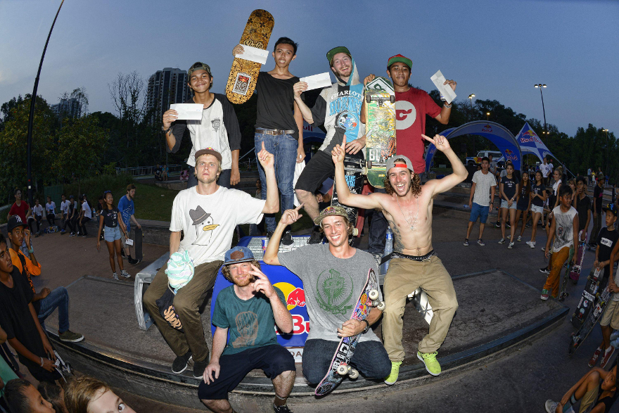 skateboarding-crew