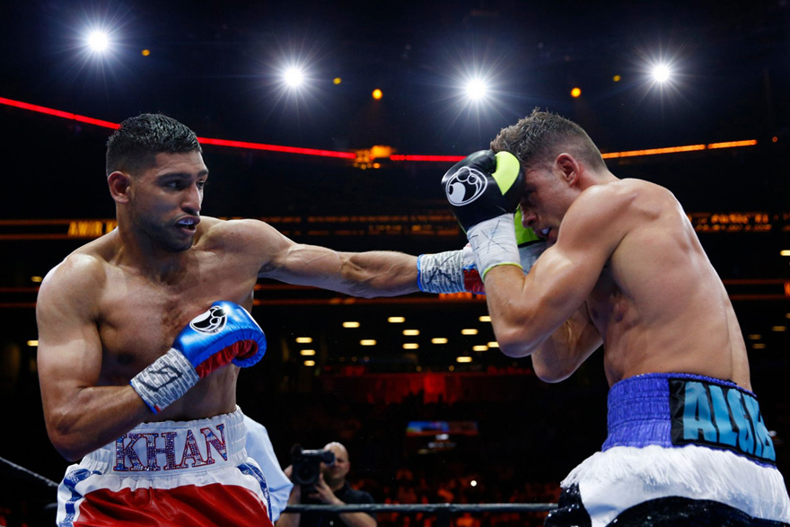 Boxing Sensation Amir Khan Might Switch to MMA and Fight Conor McGregor