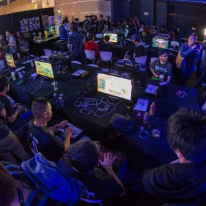 Facebook Gameroom and live streaming platforms for eSports