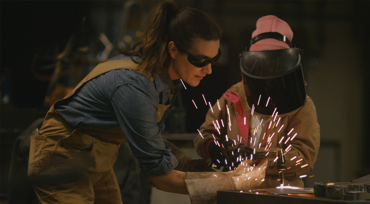 carhartt-film-celebrates-women-this-mothers-day