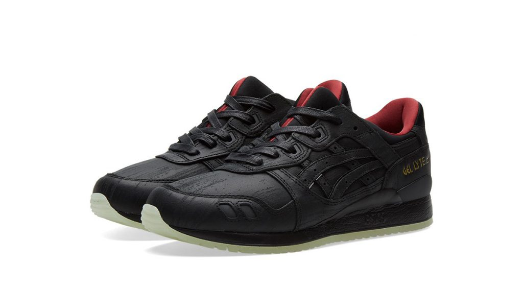 black-sneakers-to-shop-for-black-friday