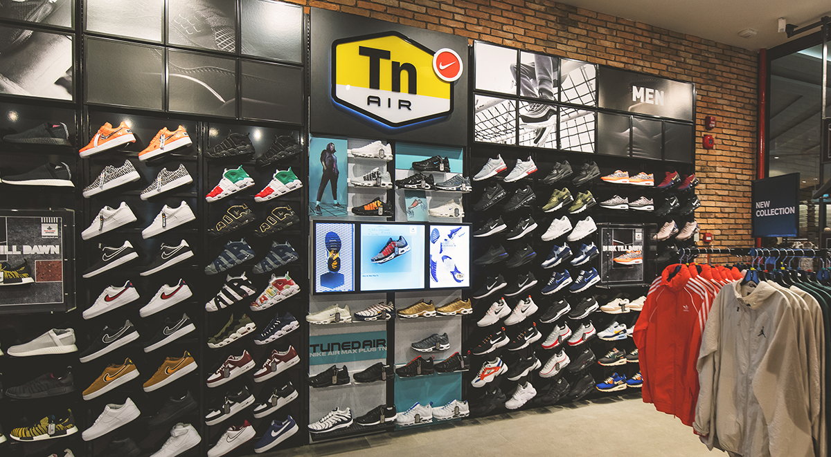 ed83a916035e13 Foot Locker Singapore Store Opening in Century Square