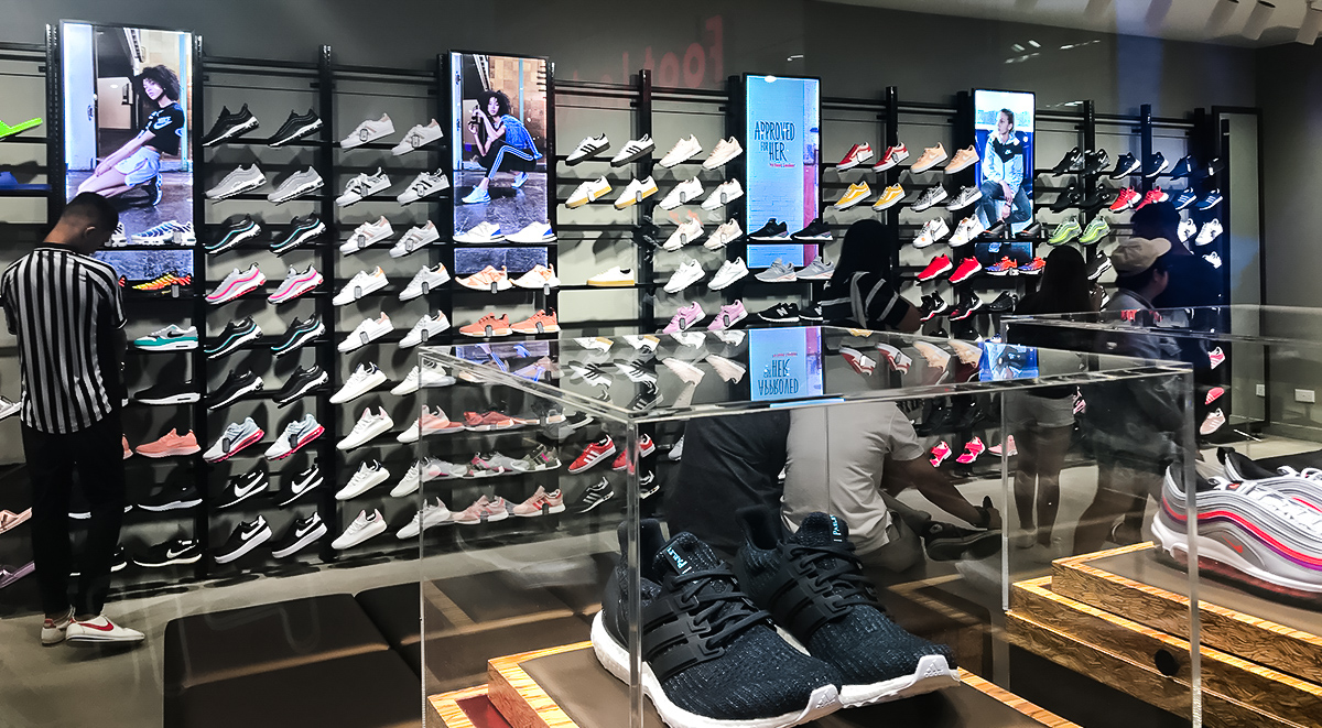 be8750bf256dd5 Foot Locker Singapore Store Opening in Century Square