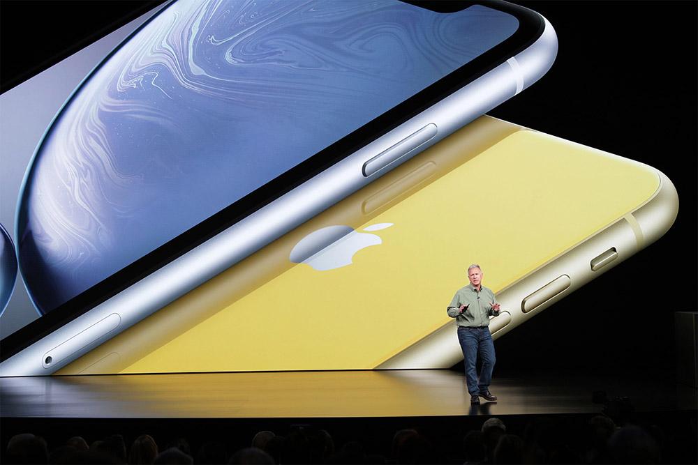 apple-keynote_phil-schiller