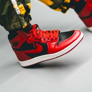 "Air Jordan 1 Hi 85 ""Varisty Red"" On-feet Look"