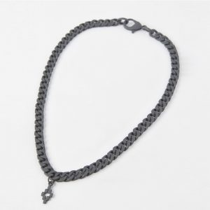 Surrender's SS20 black necklace marcelo burlon RE20