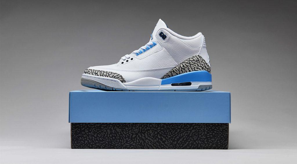 Air Jordan 3 UNC on box