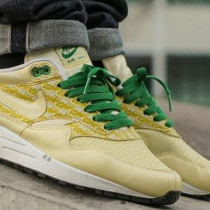 "Air Max 1 ""Lemonade"" on feet Snupps"
