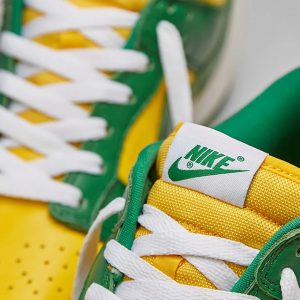 "Nike Dunk ""Brazil"" tongue tab"