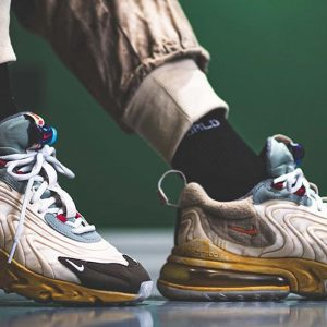 Travis Scott x Nike Air Max 270 on feet @repgod888