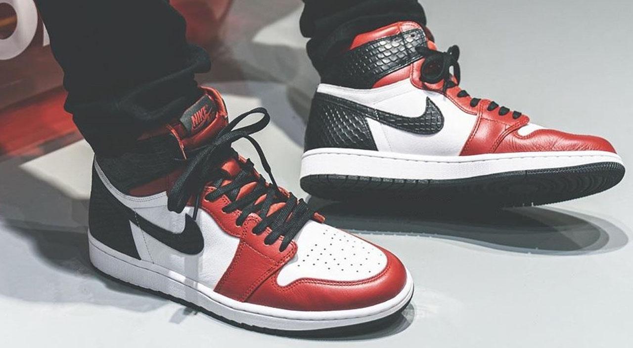 """Air Jordan 1 """"Satin Red"""" repgod888 feature"""